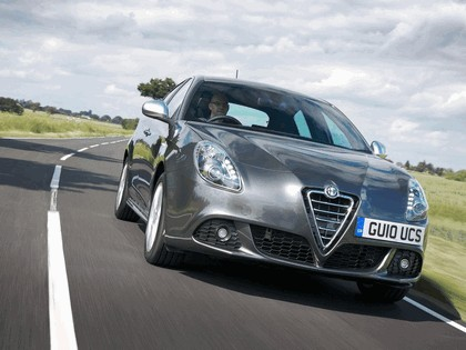 2010 Alfa Romeo Giulietta - UK version 25
