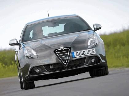 2010 Alfa Romeo Giulietta - UK version 27