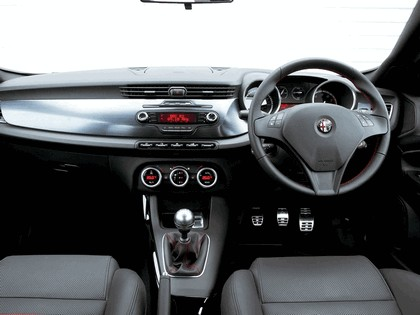 2010 Alfa Romeo Giulietta - UK version 33