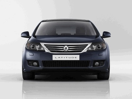2010 Renault Latitude 4