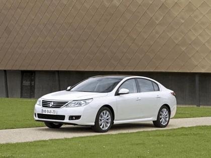 2010 Renault Latitude 7
