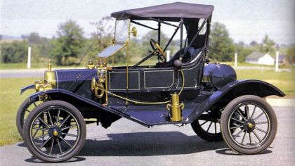 1910 Ford Model T Torpedo Runabout 4