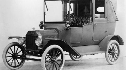 1915 Ford Model T Town Car 1