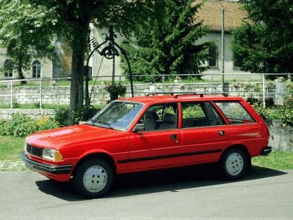 1983 Peugeot 305 Break 1