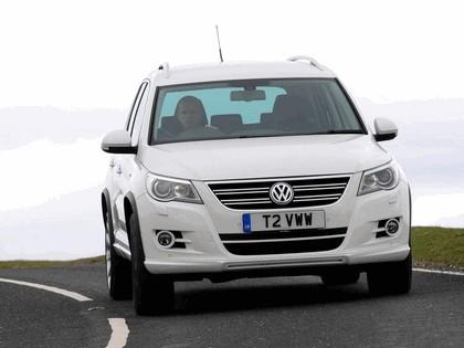 2010 Volkswagen Tiguan R-Line - UK version 1