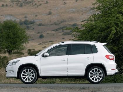 2010 Volkswagen Tiguan R-Line - UK version 2