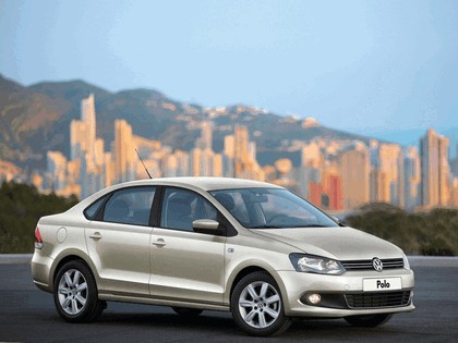 2010 Volkswagen Polo Sedan 1