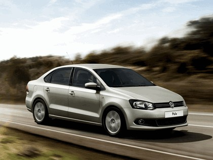 2010 Volkswagen Polo Sedan 5