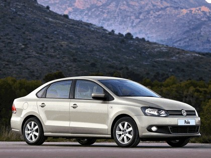 2010 Volkswagen Polo Sedan 8