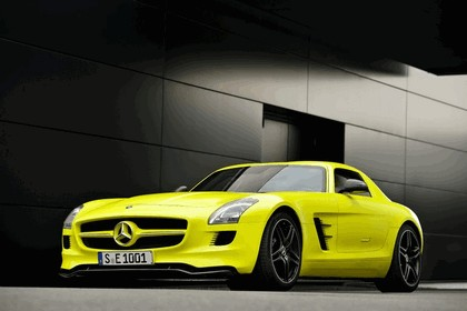 2010 Mercedes-Benz SLS AMG E-Cell 4
