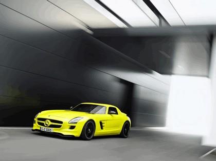 2010 Mercedes-Benz SLS AMG E-Cell 8