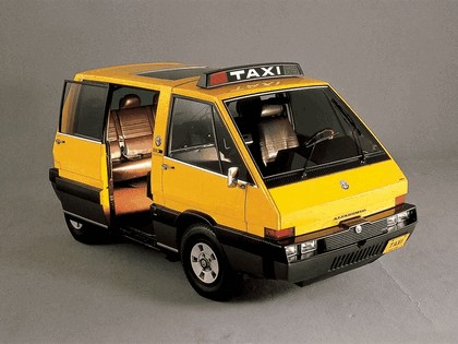 1976 Alfa Romeo New York Taxi concept by ItalDesign 1