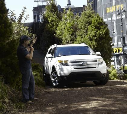 2011 Ford Explorer 30