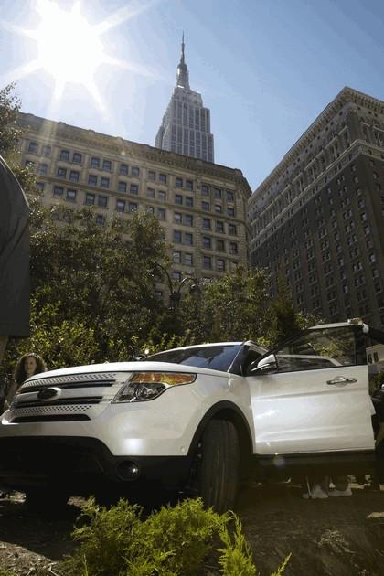 2011 Ford Explorer 31