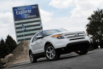 2011 Ford Explorer 34