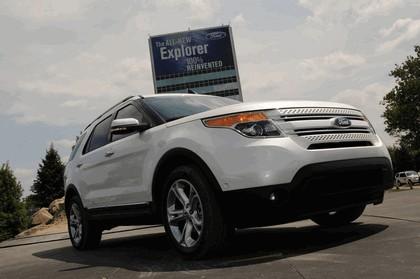 2011 Ford Explorer 35