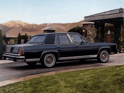 1983 Ford Crown Victoria LTD 3