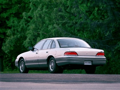 1992 Ford Crown Victoria 3