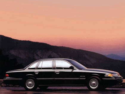 1992 Ford Crown Victoria 5
