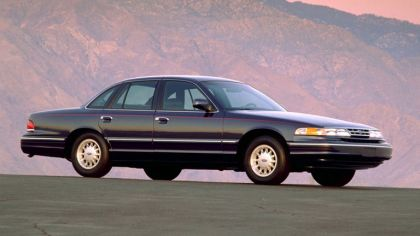 1995 Ford Crown Victoria 2