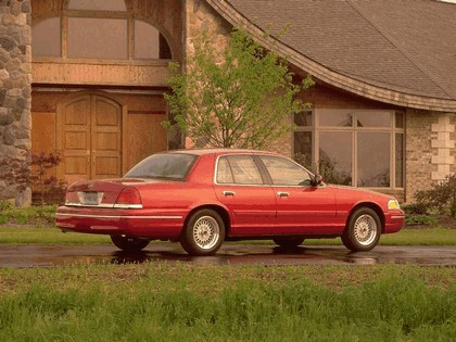 1998 Ford Crown Victoria 6