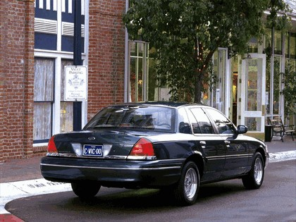 1998 Ford Crown Victoria 9