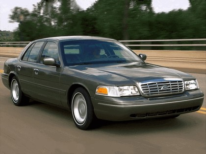 1998 Ford Crown Victoria 12