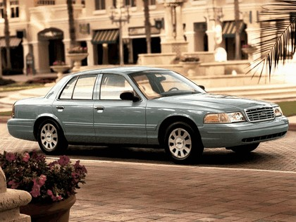 1998 Ford Crown Victoria 13