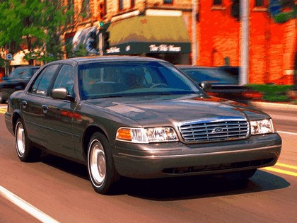 1998 Ford Crown Victoria 15