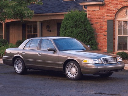 1998 Ford Crown Victoria 16