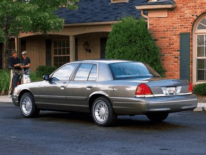 1998 Ford Crown Victoria 18