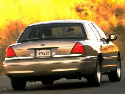1998 Ford Crown Victoria 20