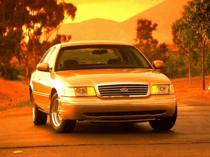 1998 Ford Crown Victoria 22