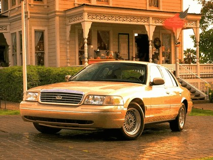 1998 Ford Crown Victoria 25