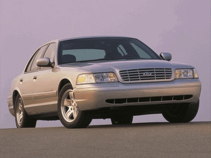 1998 Ford Crown Victoria 26
