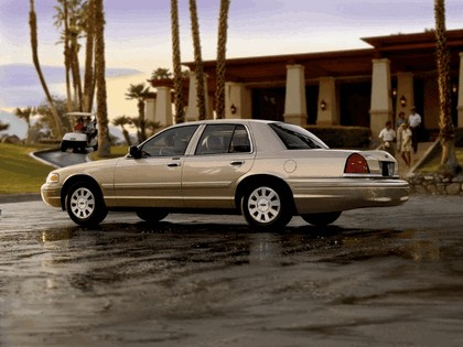 1998 Ford Crown Victoria 30