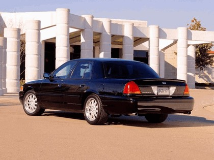 1998 Ford Crown Victoria 32