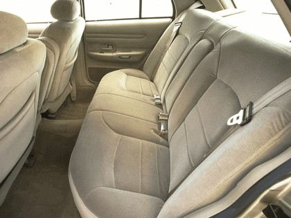 1998 Ford Crown Victoria 35