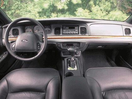 1998 Ford Crown Victoria 37
