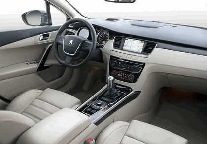 2010 Peugeot 508 SW 13