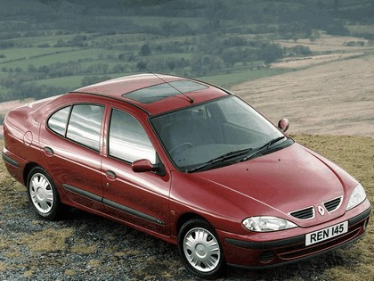 1999 Renault Megane sedan 1