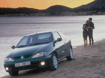 1999 Renault Megane coupé 5