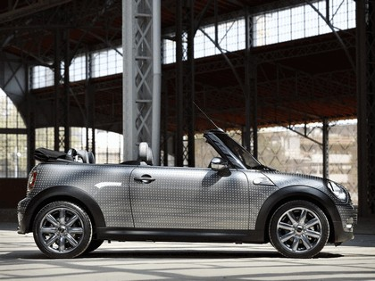 2010 Mini Cooper cabriolet by Kenneth Cole 2