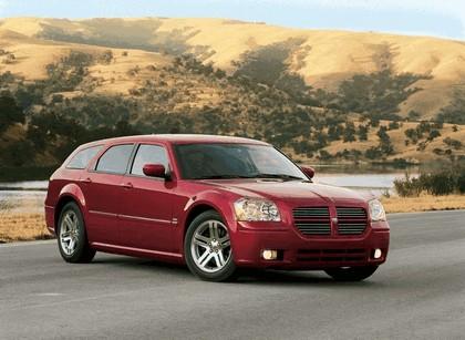 2005 Dodge Magnum 1