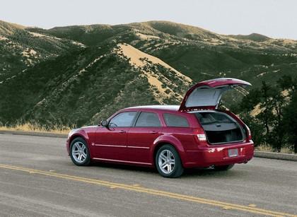 2005 Dodge Magnum 3