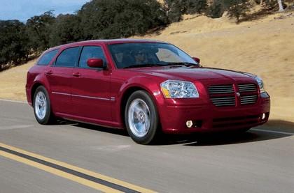 2005 Dodge Magnum 5