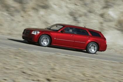 2005 Dodge Magnum 6