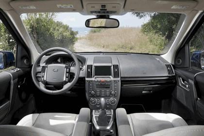 2011 Land Rover Freelander 2 HSE i6 24
