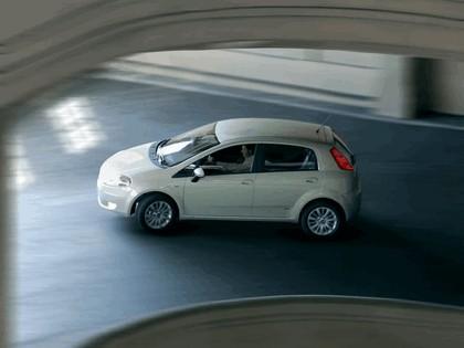 2005 Fiat Grande Punto 5-door 2