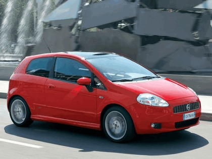 2005 Fiat Grande Punto Multijet 3-door with Panoramic Sunroof 3